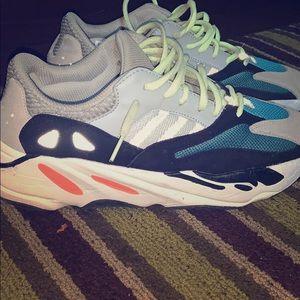 Yeezy 700 wave runners 2019